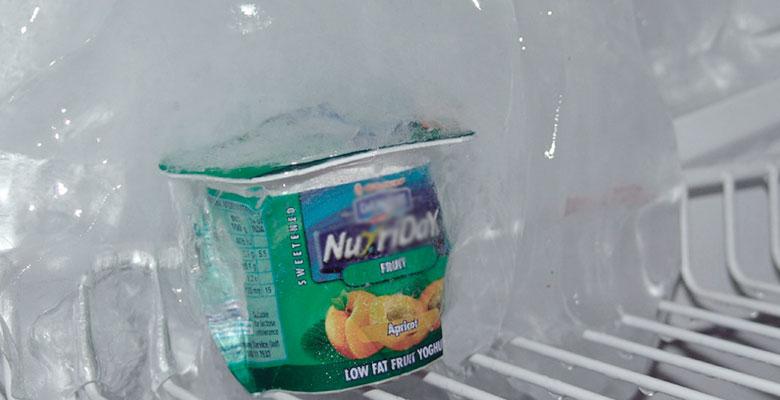 Лёд в холодильнике