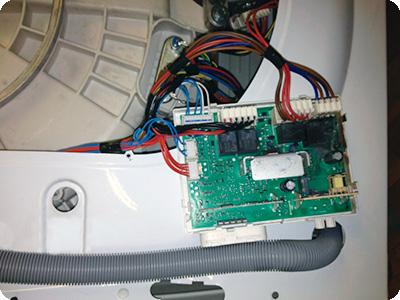 Блок управления в стиральной машине Indesit