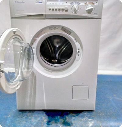 Течёт стиральная машина Electrolux