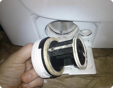 Не сливается вода в стиральной машине Siemens